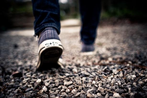 man-path-walking-blur-hiking-photography-964750-pxhere.com